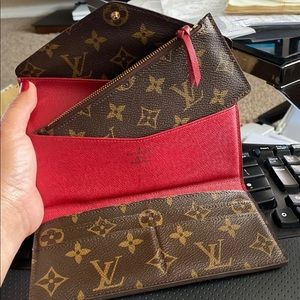 💯 authentic Louis Vuitton wallet and insert